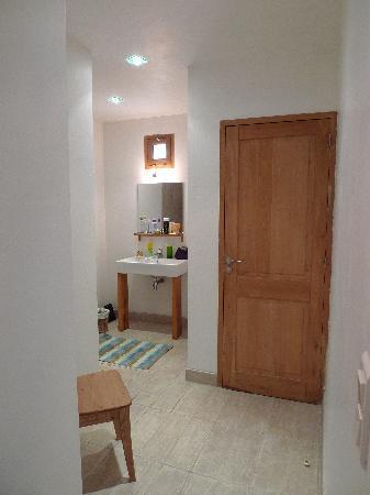 Maison d'hotes Ruone: salle de bains