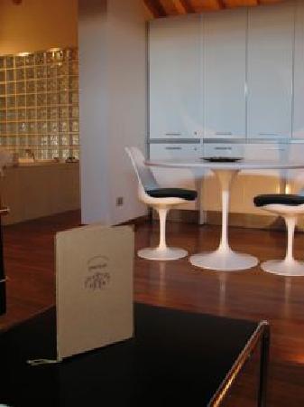 Parizzi Suites & Studio: Mansarda
