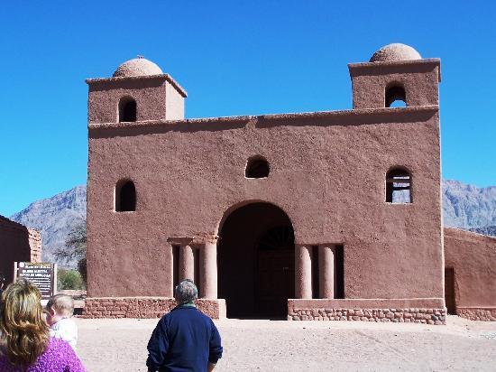 """Tinogasta, Argentina: Iglesia """"Nuestra Señora de Andacollo"""" de más de 500 años de antiguedad en la """"Ruta del Adobe"""""""