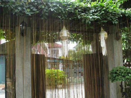 Baan Hanibah: House's entrance