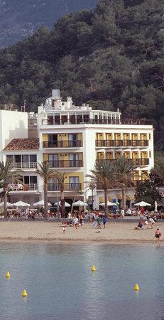 Hotel Los Geranios: Beach
