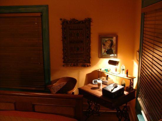 Elmwood Village Inn: Honu House : Middle Eastern room