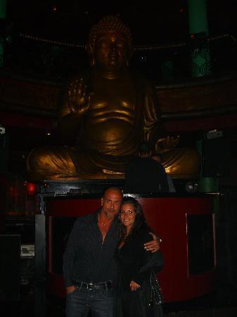 Little Buddha: ai piedi del Buddha.. atmosfera spettacolare!!!