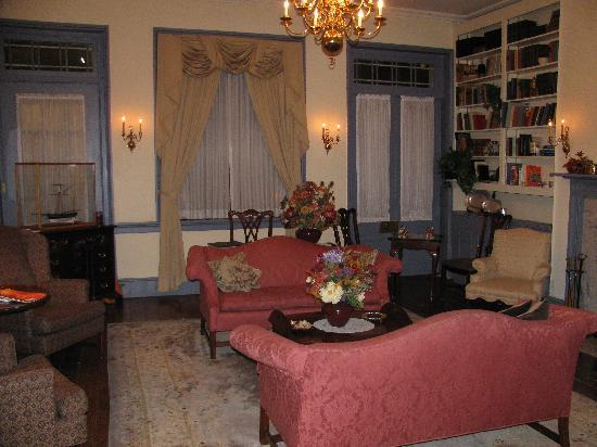 Thomas Bond House Bed & Breakfast : Parlour