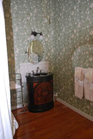 Bruce House Inn: Sink