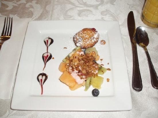 Bruce House Inn: Breakfast - course 1