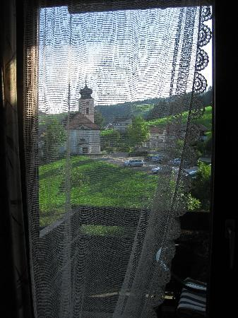 Hotel Schönblick: Ventana habitación