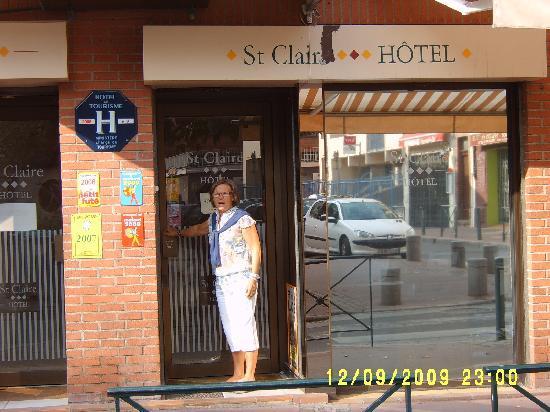 St Claire Hotel: Puerta entrada