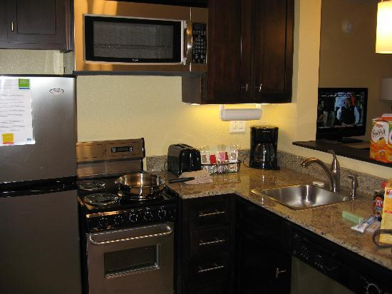TownePlace Suites Columbia Southeast/Fort Jackson: Loved having a refrigerator and freezer