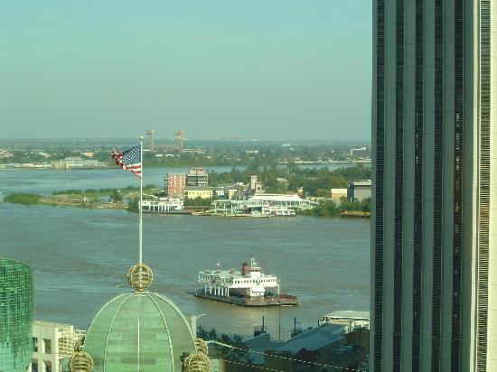 Loews New Orleans Hotel: View of the Mississippi from our room - 1703