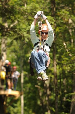 Zoar Outdoor/Deerfield Valley Canopy Tours: Zip Line Canopy Tours in Massachusetts