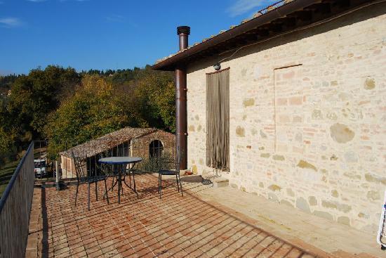Agriturismo San Michele Arcangelo: terrazza con vista su Perugia