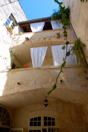 L'Albiousse : view from the courtyard