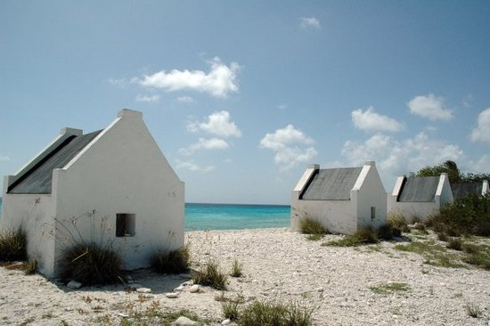 Kralendijk, Bonaire : slave huts, where the slaves used to live