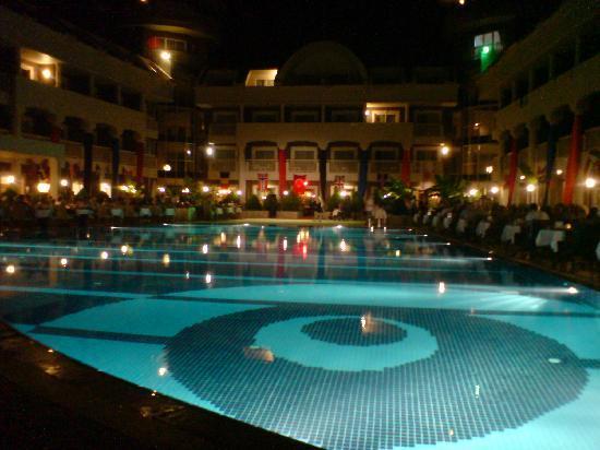 Viking Star Hotel: Pool at night
