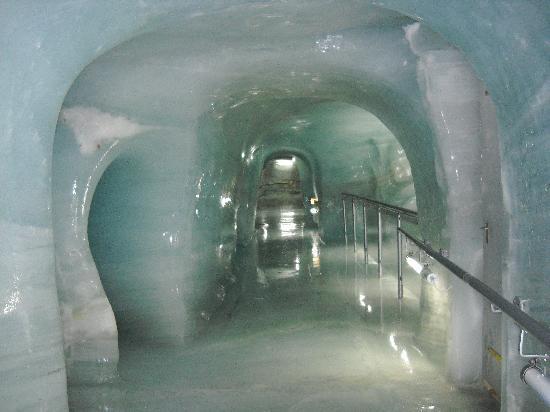 dentro do castelo de gelo, já em jungfraujoch