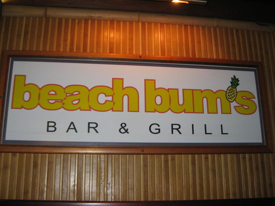 Beach Bums Bar & Grill: Beach Bums is the best