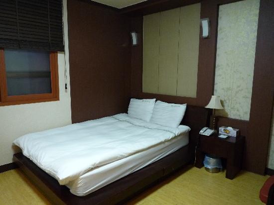 Youngbin Hotel: インターネット可能の部屋です
