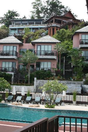 Merit Wellness & Mind Retreat Resort Samui: The hotel is nestled in a cliff