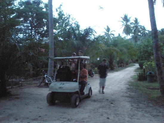 Longbay Resort: transport to and from our rooms
