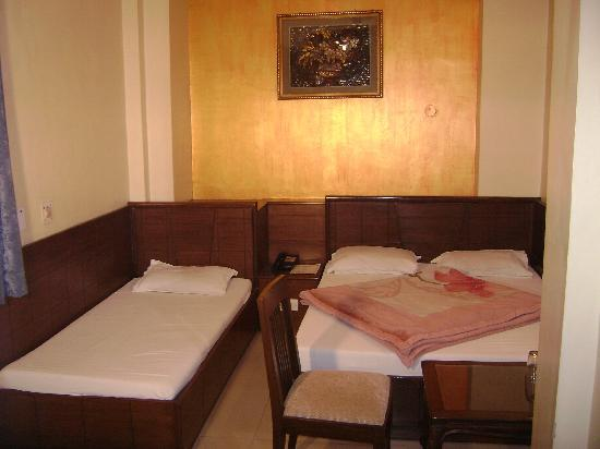 Hotel Amax Inn: rooms