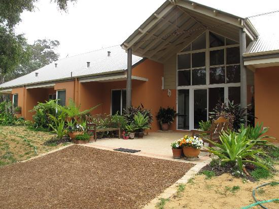 Margaret River Bed & Breakfast: Front of house