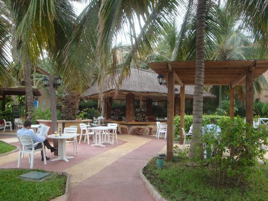 Savana Jardin-Hotel Dakar: pool bar