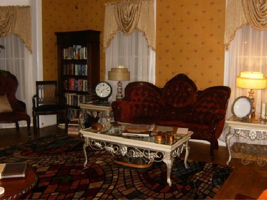August Seven Inn Luxury Bed and Breakfast: Very Elegant and Classy