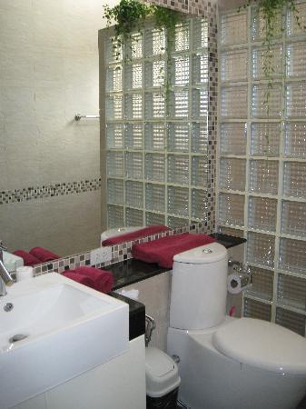 Baan Luxor: Badezimmer mit Dusche