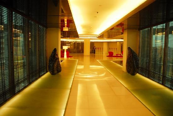 Galaxy Hotel & Spa : It's a pleasant, good and good hospitality, the food wow yum... I had only the breakfast last we