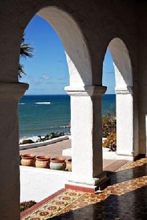 Casa Romantica Cultural Center and Gardens: the back patio