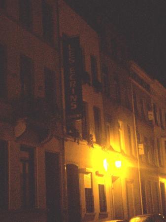 The Residence Les Ecrins: notturna mentre pioviggina...nn ne ho di migliori!