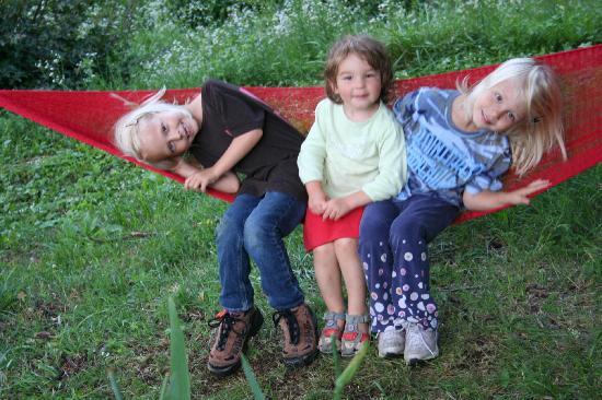 Villa Rosa: Kids playing