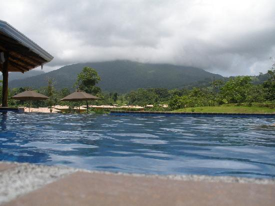 Arenal Manoa Hotel: from the pool