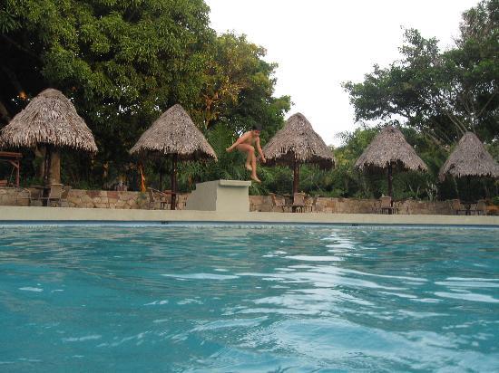 DM Hoteles Tarapoto - San Martin: Zona de piscina