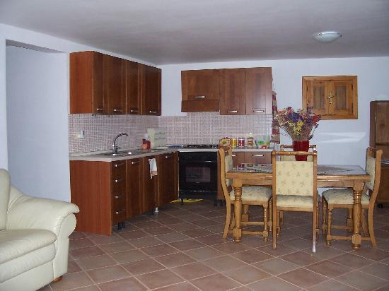 Cucina soggiorno - Picture of Villa Chiara - Vittoria ...