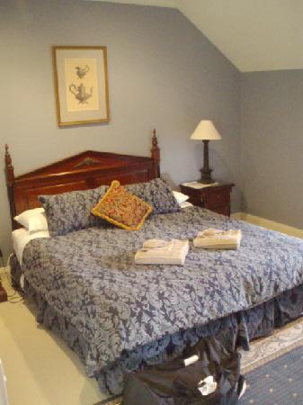 Aldermere Estate Luxury Accommodation: bedroom 1