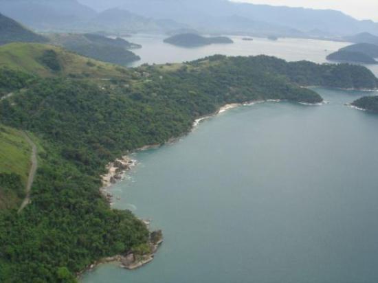Guarapari, ES: Uno scorcio panorama aereo di Angra dos Reis