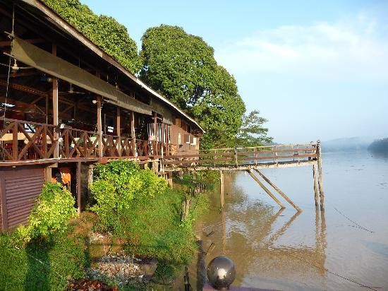 Barefoot Sukau Lodge: lodge