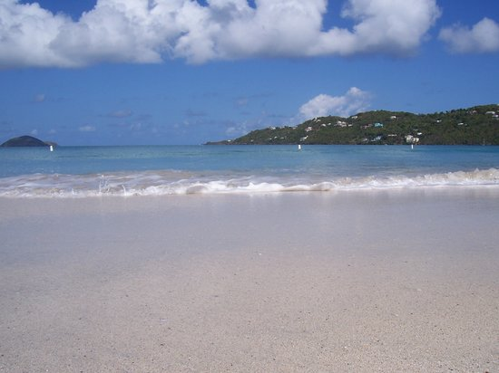 St. Thomas: Magen's - silky soft sand