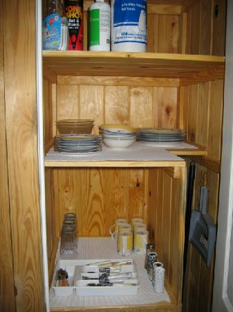 Camp Carlson Army Recreational Area : Closet