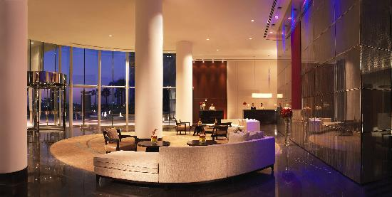 Hotel lobby intercontinental residence suites dubai for Gucci hotel dubai
