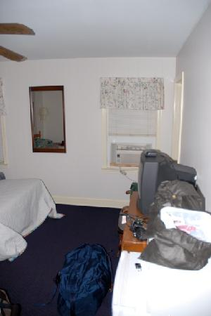 King Charles Hotel: room1