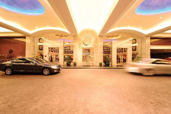 Rembrandt Hotel Bangkok: Rembrandt Hotel Entrance
