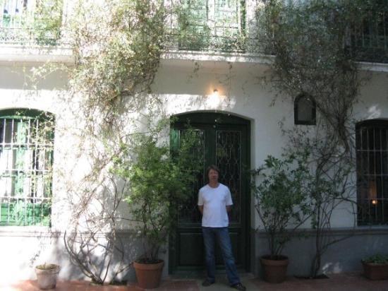 Museo Casa Natal Federico García Lorca: Outside Fredrico Garcia Lorca's house.  An artist, a poet , a dramatist and a hero