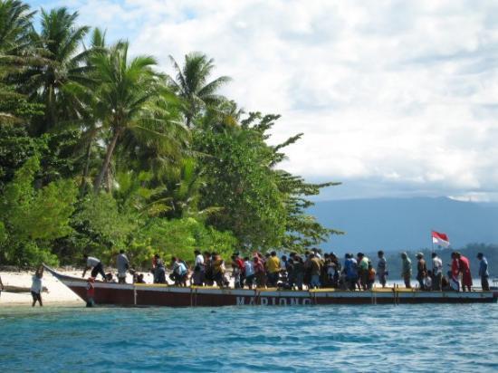 Manokwari Indonesia  city pictures gallery : Manokwari, Indonesia: Lokasi:Pulau Mansinam