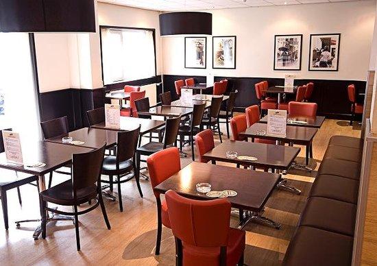 West Side Inn Hotel: Restaurant/Bar