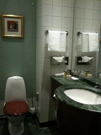 Elite Plaza Hotel Göteborg: bath