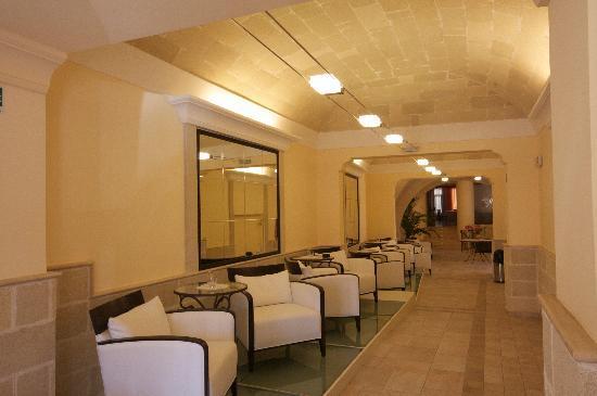 Grand Hotel Florio: galleria bar