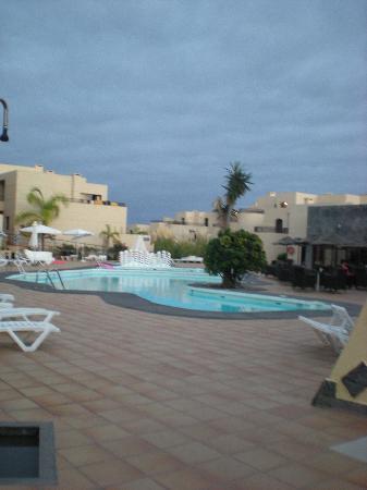 Blue Sea Costa Teguise Gardens : piscina